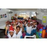 4Life Колумбия порадовала школьников подарками